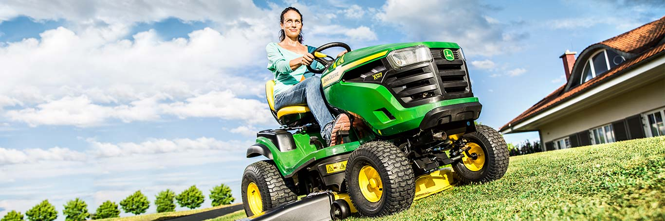 X146R, Lawn Tractors, Riding Lawn Equipment, X100 Series